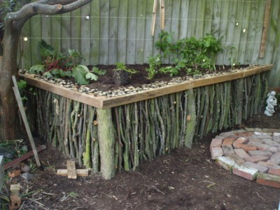 Wood-Raised-Garden-32